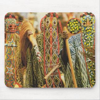 Bailarines tribales de Banjouge, el Camerún Alfombrilla De Raton