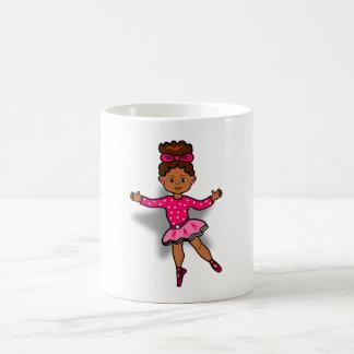 Baile afroamericano de la bailarina del dibujo taza