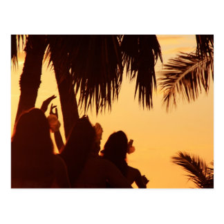 Baile de Hula de la puesta del sol Postal
