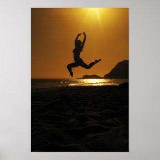 Baile de la puesta del sol póster