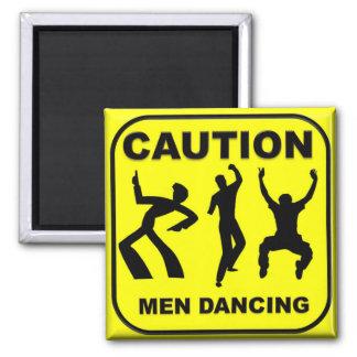 Baile de los hombres de la precaución imán cuadrado