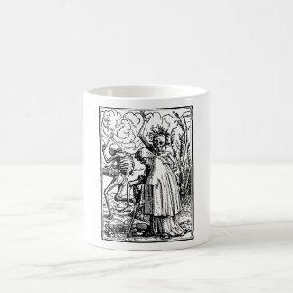 Baile de muerto, Dance of macabre (Holbein) Taza De Café