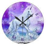 Baile de plata del unicornio en reloj de pared del