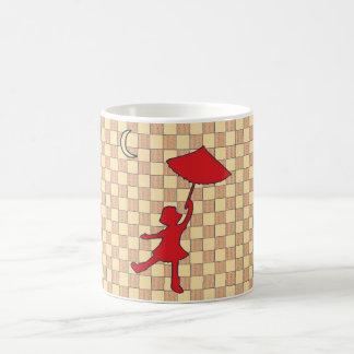 Baile del chica con su paraguas taza clásica
