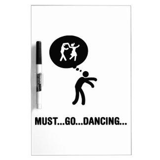 Baile del oscilación tableros blancos