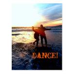 Baile en el océano tarjeta postal
