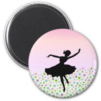 Baile entre las estrellas - puesta del sol rosada imán redondo 5 cm