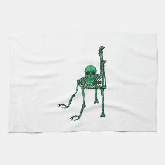 Baile espeluznante esquelético del cráneo de la toallas