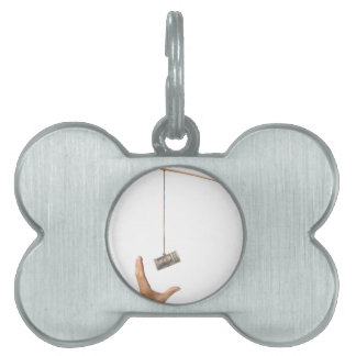 Baiting with money pet name tag