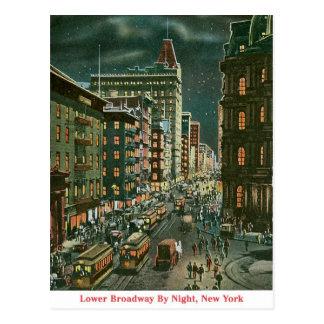 Baje Broadway por noche Postales