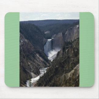 Baje las caídas, parque nacional de Yosemite Alfombrillas De Ratones