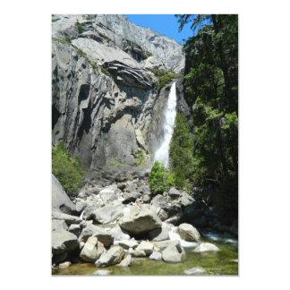 """Baje las cataratas de Yosemite Invitación 5"""" X 7"""""""