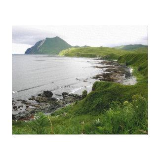 Bajíos rocosos en la isla de Unalaska Lienzo Envuelto Para Galerías