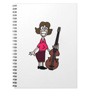 bajista de sexo femenino del dibujo animado torpe spiral notebooks