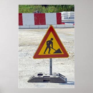 bajo construcción poster