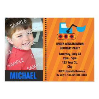 """Bajo cumpleaños de la construcción invitación 5"""" x 7"""""""