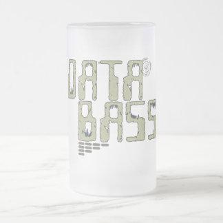 Bajo de los datos taza de cristal
