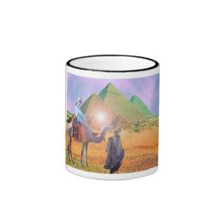 BAJO EL SOL DE EGIPTO TAZA DE CAFÉ