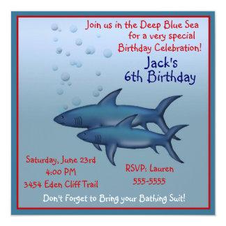 """Bajo invitaciones del cumpleaños del tiburón del invitación 5.25"""" x 5.25"""""""