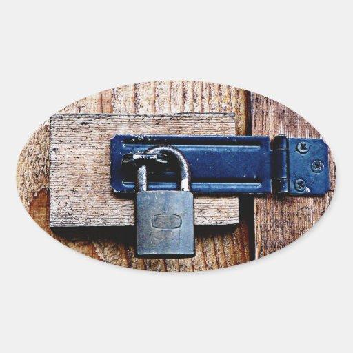 Bajo llave y candado colcomanias de óval personalizadas
