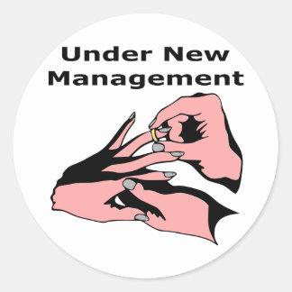 Bajo nueva gestión pegatina redonda