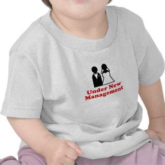 Bajo nueva gestión camiseta