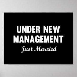 Bajo nueva gestión póster