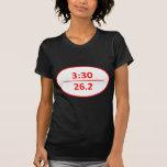 Bajo rojo del maratón del 3:30 camiseta