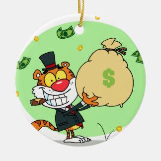 Balanceo feliz del tigre en el dinero ornamento para arbol de navidad