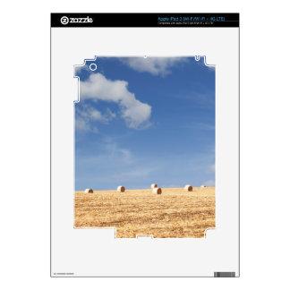 Balas de heno en campo pegatina skin para iPad 3