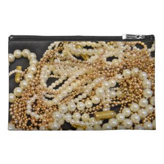 Balas y bolso del accesorio de las perlas