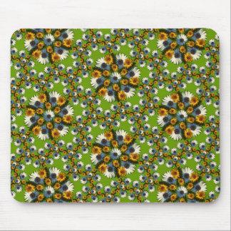 Balboa Pentile Wreaths Lg Any Color Mouse Pad
