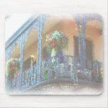 Balcón de New Orleans Tapetes De Ratones