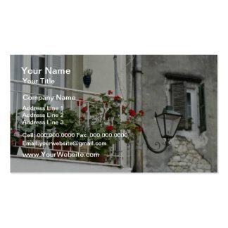 Balcón pintoresco en las flores viejas de Corfú de Plantilla De Tarjeta Personal