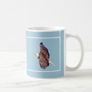 Bald Eagle Eyes To the Sky Light Blue Basic White Mug