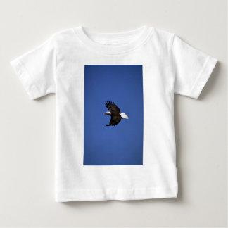 Bald Eagle flying across blue sky Infant T-shirt