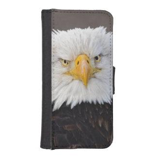 Bald Eagle Portrait, Bald Eagle in flight, iPhone SE/5/5s Wallet
