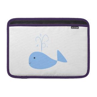 Ballena azul del dibujo animado fundas para macbook air