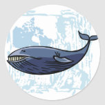 Ballena azul feliz pegatina redonda
