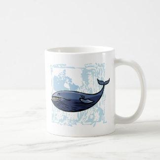 Ballena azul feliz taza clásica