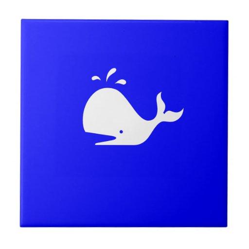Ballena de Glow_White-on-Blue del océano Azulejos Cerámicos