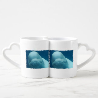 Ballena de la beluga taza para enamorados