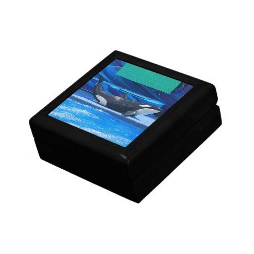 Ballena de la orca que muestra apagado caja de recuerdo