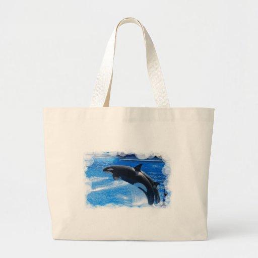 Ballena de salto de la orca bolsas