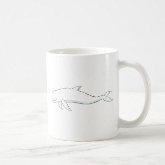 Ballena feliz de la beluga taza básica blanca