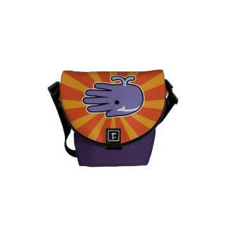 Ballena feliz de la púrpura de la sonrisa bolsa de mensajería