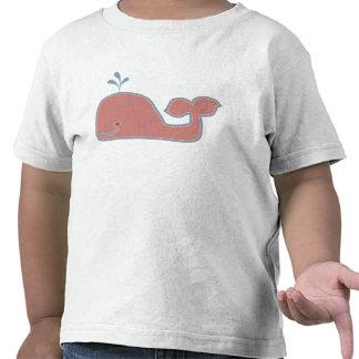 Ballena feliz en rojo descolorado y azul camisetas
