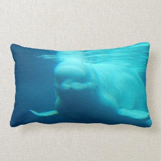 Ballena subacuática de la beluga cojines