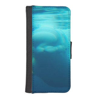 Ballena subacuática de la beluga fundas tipo cartera para iPhone 5