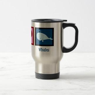 Ballenas del amor de la paz taza de café